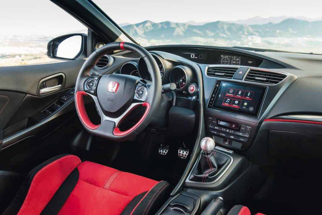 honda-commercial-model-of-the-civic-type-r-to-finally-european-debut20150606-14 (1)