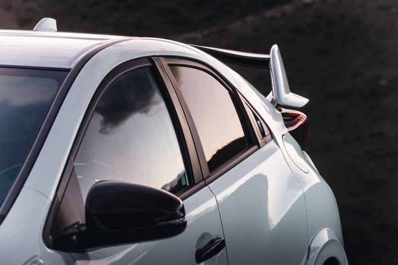 honda-commercial-model-of-the-civic-type-r-to-finally-european-debut20150606-17 (1)