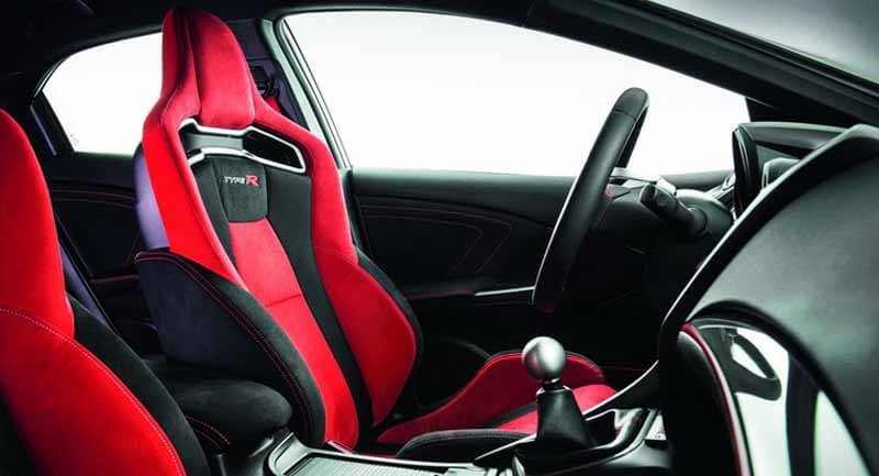 honda-commercial-model-of-the-civic-type-r-to-finally-european-debut20150606-23 (1)