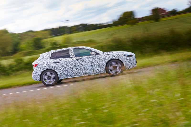 infiniti-the-world-premiere-of-the-new-q30-at-the-frankfurt-motor-show-201520150620-1-min