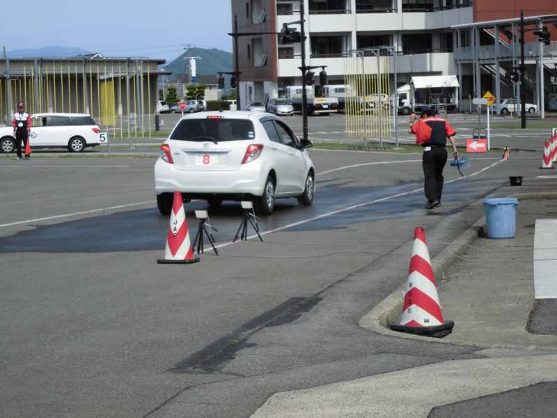 jaf-fukushima-super-senior-drivers-school-held-report20150625-2-min