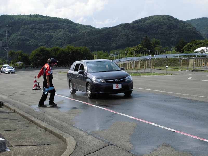 jaf-fukushima-super-senior-drivers-school-held-report20150625-3-min