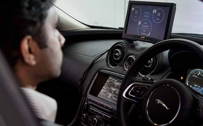 jaguar-land-rover-and-talks-about-the-safety-technology-such-as-brain-wave-measurement20150619-4-min