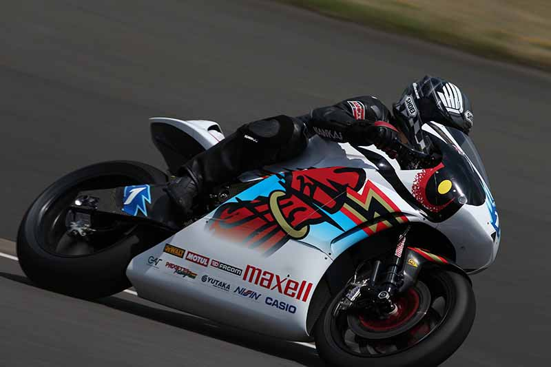 maxell-mugen-the-isle-of-man-tt-race-winner20150628-5-min