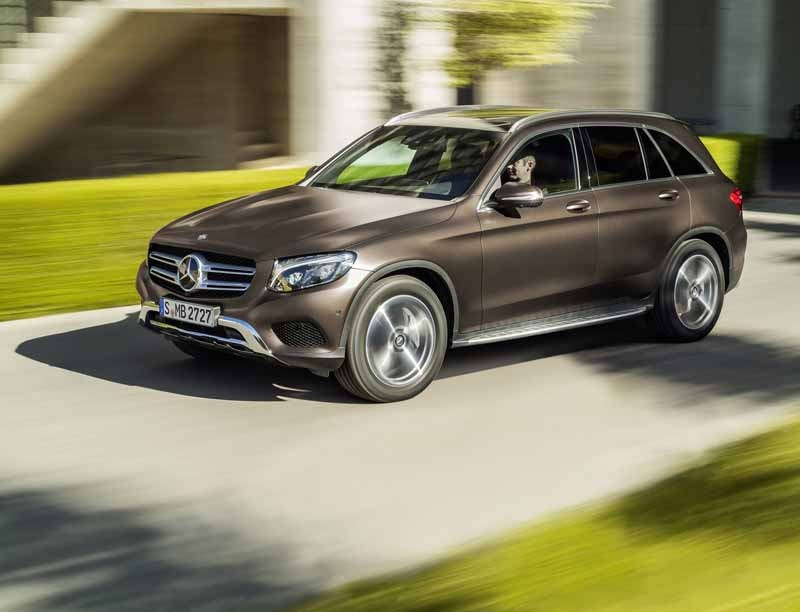 mercedes-benz-the-worlds-first-published-the-new-crossover-suv-glc20150618-19-min