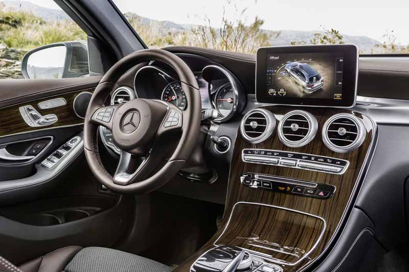 mercedes-benz-the-worlds-first-published-the-new-crossover-suv-glc20150618-24-min