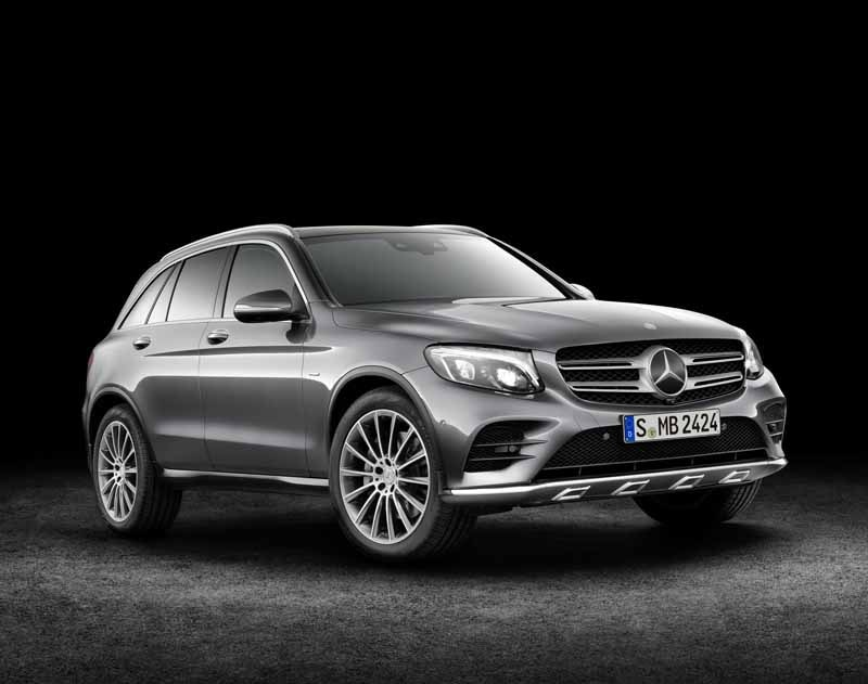 mercedes-benz-the-worlds-first-published-the-new-crossover-suv-glc20150618-26-min