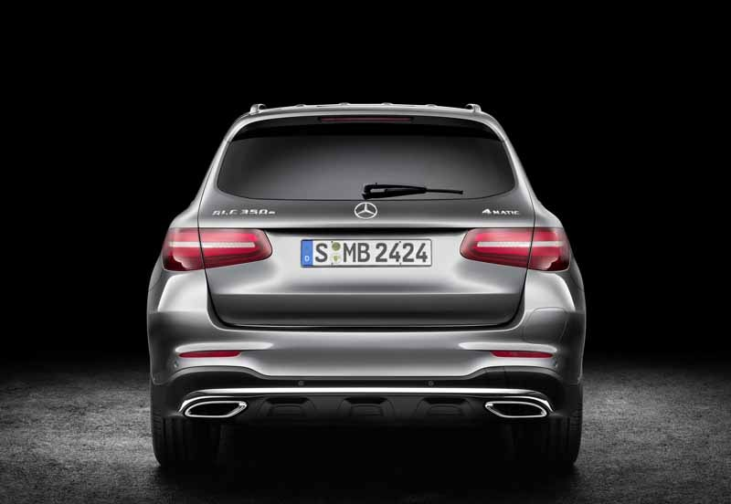 mercedes-benz-the-worlds-first-published-the-new-crossover-suv-glc20150618-27-min