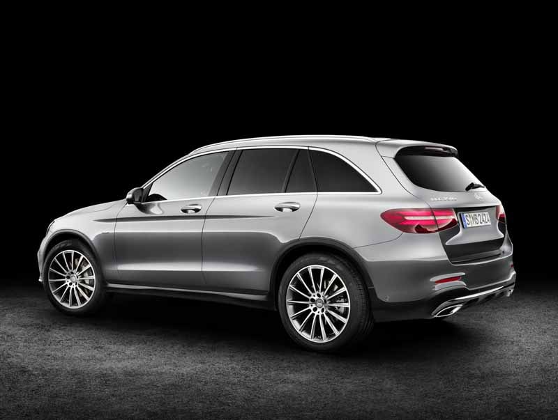 mercedes-benz-the-worlds-first-published-the-new-crossover-suv-glc20150618-29-min