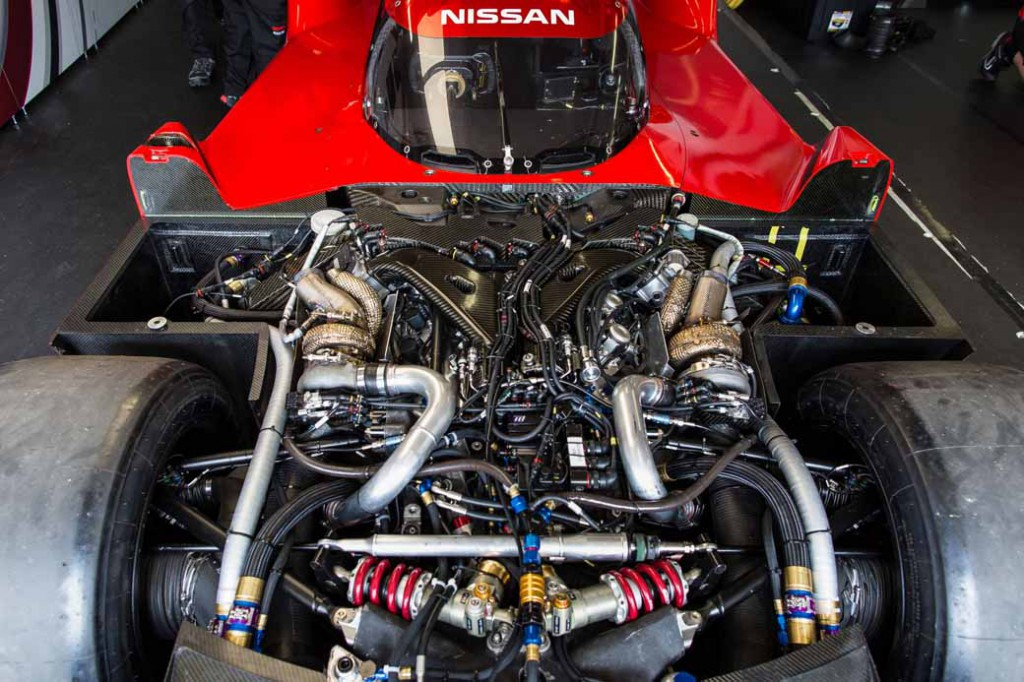 nissan-gt-r-lm-nismo-published-its-first-run-at-le-mans-official-test20150601-9-min