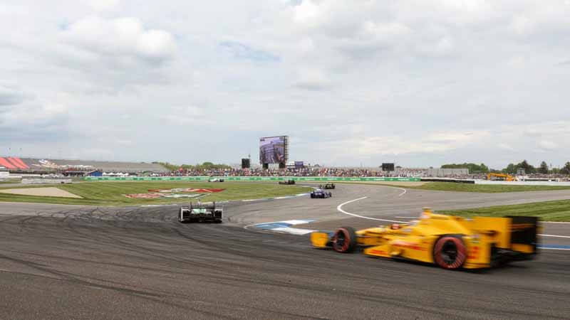 panasonic-and-delivered-the-latest-hd-led-video-board-in-indianapolis-circuit20150604-6