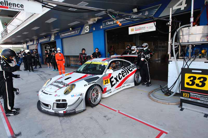 porsche-911-gt3r-earn-the-first-points-this-season-by-a-pair-of-burning20150622-2-min
