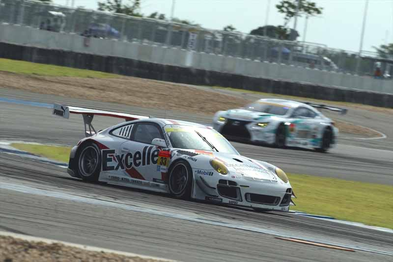 porsche-911-gt3r-earn-the-first-points-this-season-by-a-pair-of-burning20150622-3-min