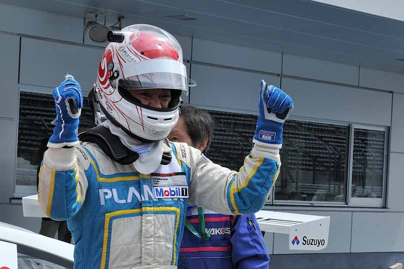 porsche-carrera-cup-japan-2015-round-5-round-620150607-26-min
