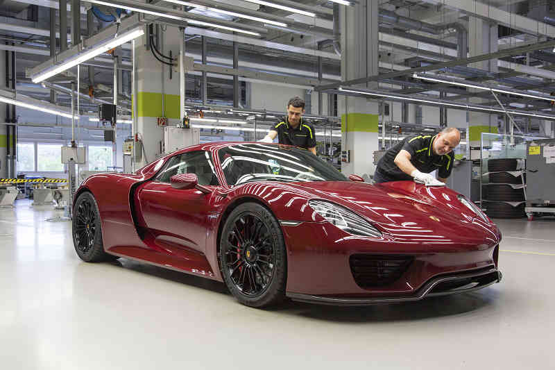 porsche-has-completed-the-production-of-the-918-spider20150623-5-min