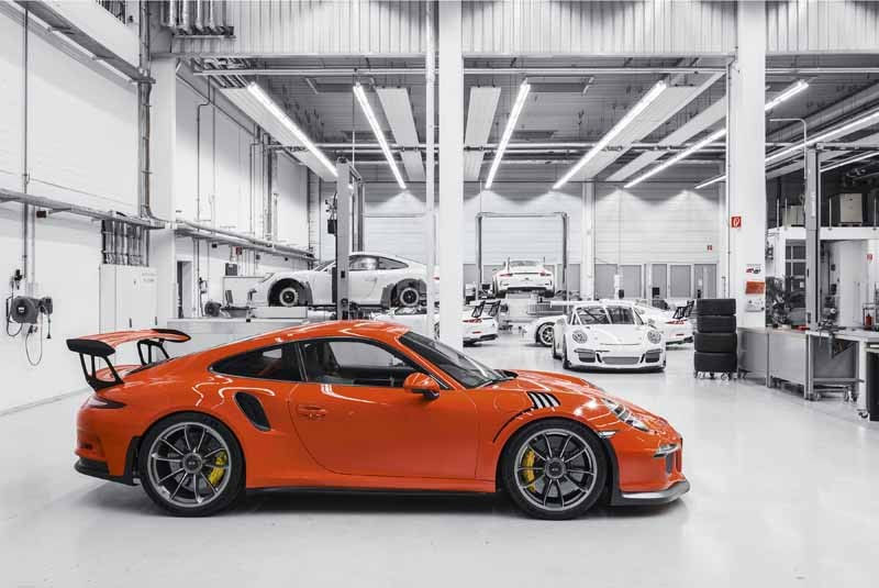 porsche-the-may-sell-new-cars-more-than-20000-units-worldwide20150612-1-min