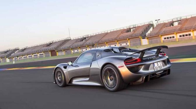 ポルシェ、918スパイダーの生産を終了
