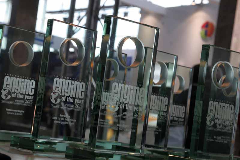 psa-puretech3-cylinder-turbo-engine-international-engine-of-the-year-for2015-award20150618-1-min