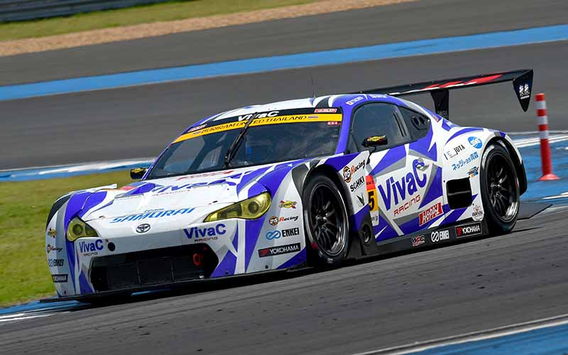 super-gt300-third-round-thailand-b-max-nddp-gt-r-has-won-consecutive-at-where-she20150622-3-min
