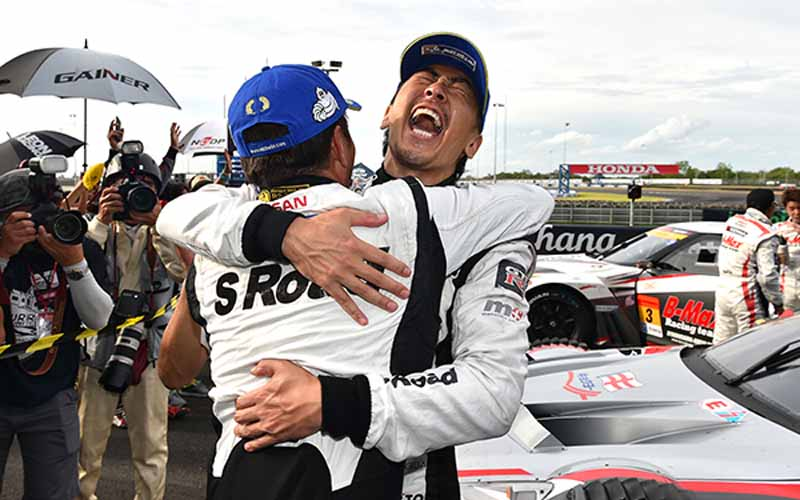 super-gt500-third-round-thailand-s-road-mola-gt-r-3-years-crowned20150622-8-min