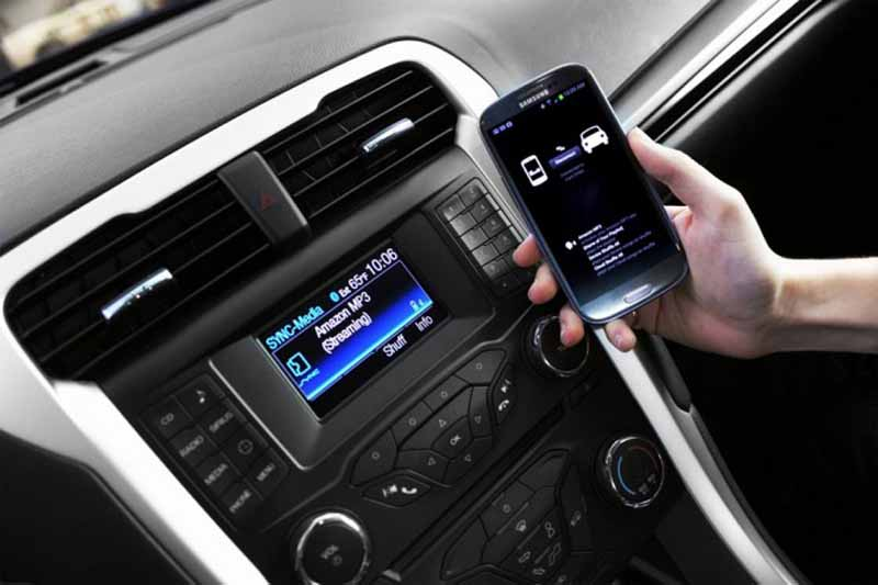 toyota-to-consider-the-smart-device-link-the-introduction-of-the-ford20150603-1-min