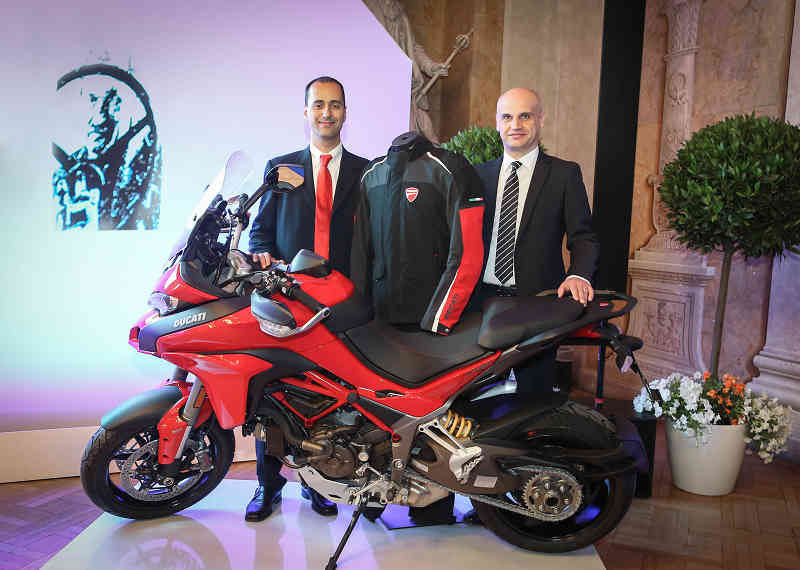 vienna-university-of-technology-ferdinand-porsche-dr-prize-2015-awarded-to-the-two-wheel-air-bag20150623-2-min