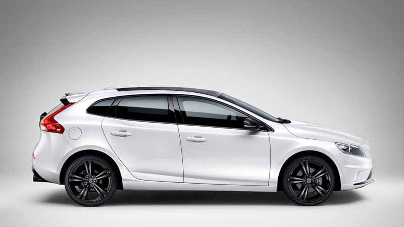 volvo-v40-pre-order-start-at-r-design-carbon-edition-88-cars-limited20150604-1 (1)