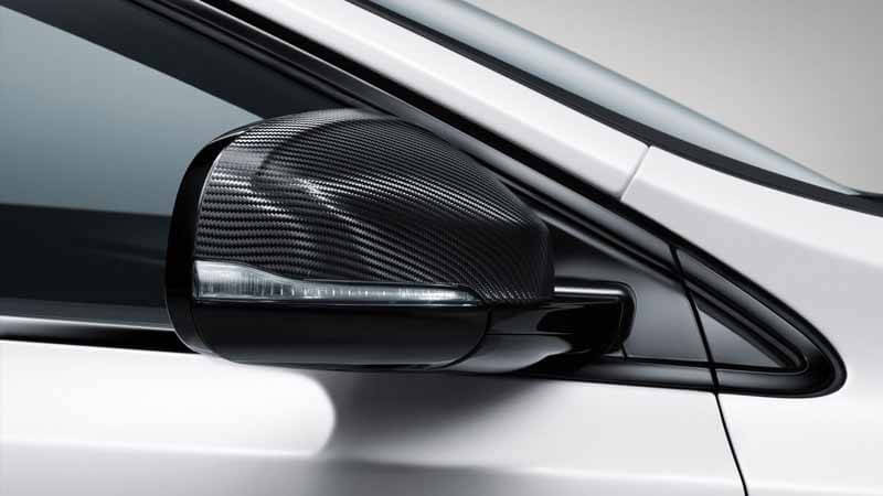 volvo-v40-pre-order-start-at-r-design-carbon-edition-88-cars-limited20150604-5 (1)