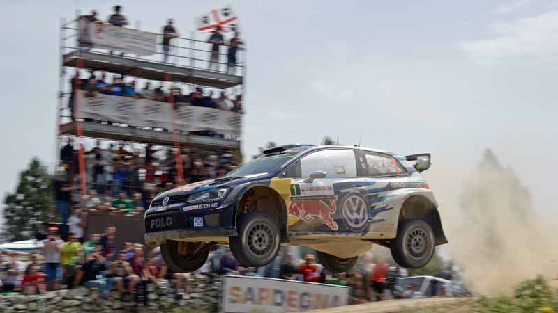 vw-wrc-sixth-round-ogier-players-behind-victory-this-season-fifth-victory20150515-8-min