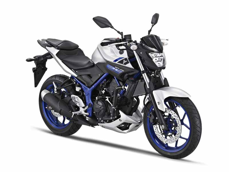 yamaha-and-released-the-mt-25-with-an-emphasis-on-sports-properties-in-everyday-in-indonesia20150608-3-min