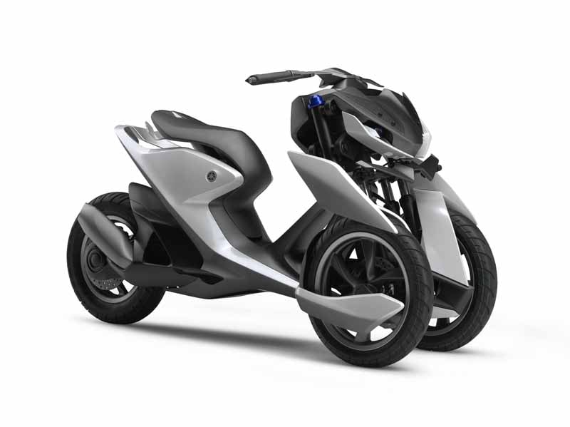 yamaha-and-yamaha-motor-is-up-to-joint-design-event20150612-3-min