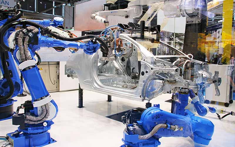 yaskawa-electric-and-launched-the-large-scale-work-painting-shinkatachi-robot20150618-1-min