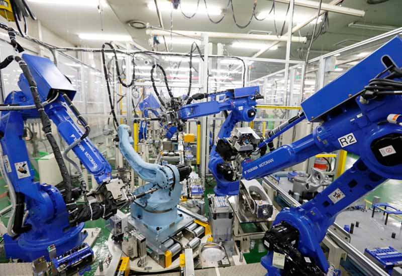 yaskawa-electric-and-launched-the-large-scale-work-painting-shinkatachi-robot20150618-7-min