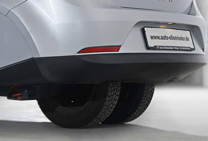 Deutschland, neue Arten von dreirädrigen Kraftfahrzeugen, die als Fuß von der Schule zur Verfügung gestellt wird-5-min