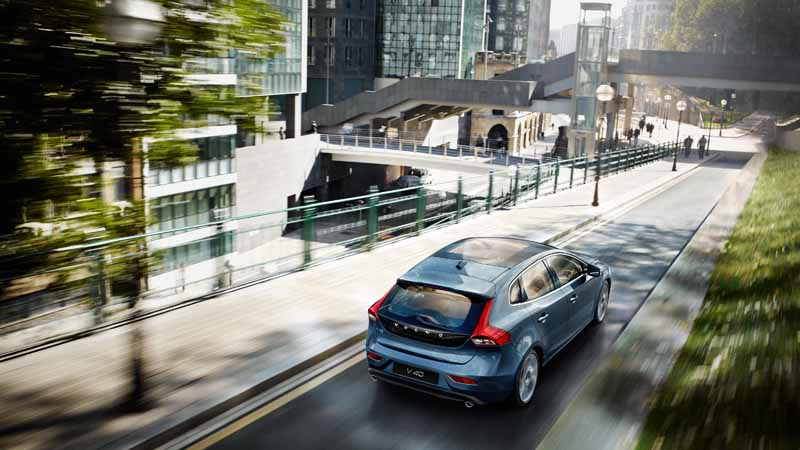 volvo-v40-·-60-by-introducing-new-1-5l-direct-4-t3-and-clean-diesel-d4-renewal20150723-11