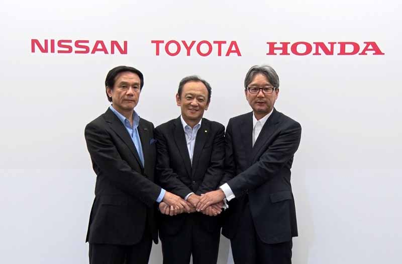 automobile-manufacturers-three-companies-determining-the-development-promotion-of-hydrogen-station20150701-10