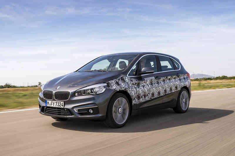 car-of-the-future-bmw-is-addressed-in-fuel-cell-vehicle-development20150709-1
