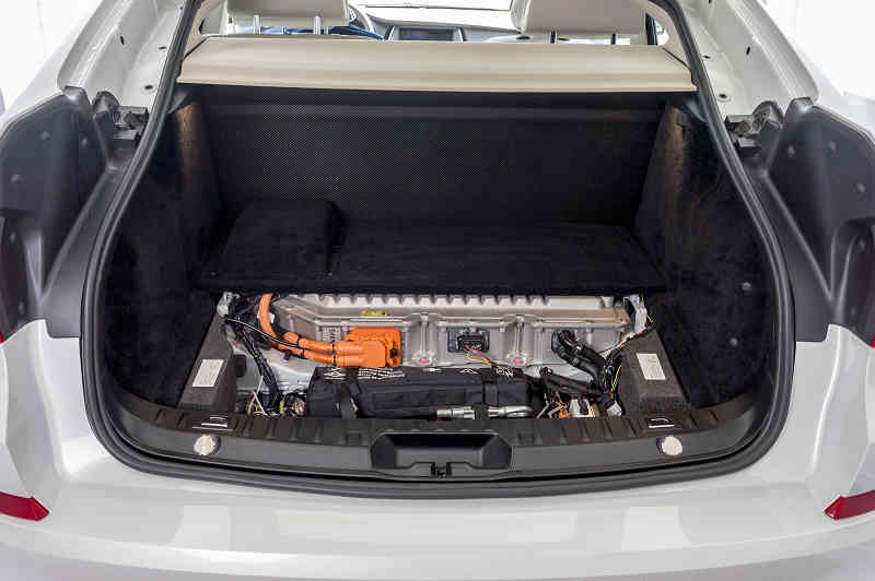 car-of-the-future-bmw-is-addressed-in-fuel-cell-vehicle-development20150709-10