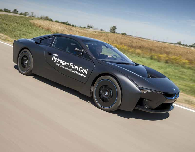 car-of-the-future-bmw-is-addressed-in-fuel-cell-vehicle-development20150709-15