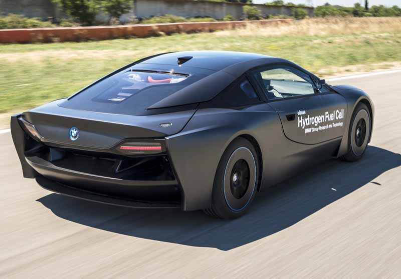 car-of-the-future-bmw-is-addressed-in-fuel-cell-vehicle-development20150709-16