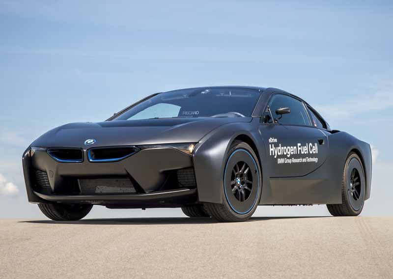 car-of-the-future-bmw-is-addressed-in-fuel-cell-vehicle-development20150709-18