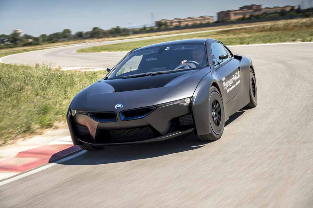 car-of-the-future-bmw-is-addressed-in-fuel-cell-vehicle-development20150709-19