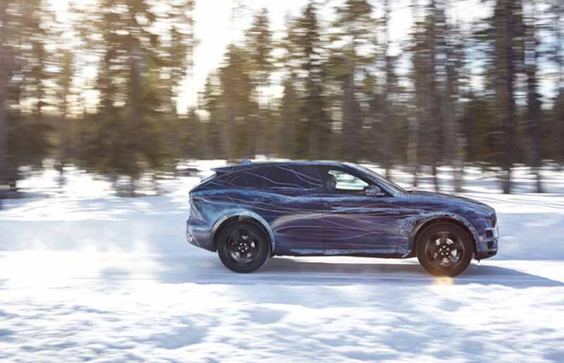 dared-traveling-test-under-extreme-environments-jaguar-f-pace-from-ice-to-burning20150730-6