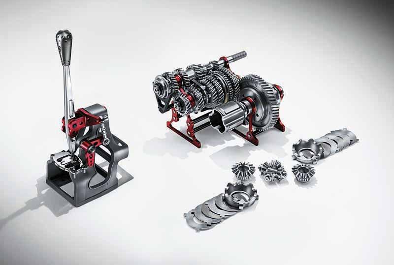 fca-japan-abarth-fastest-model-abarth-695-biposto-sale20150708-10-min