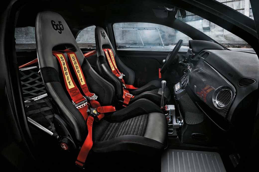 fca-japan-abarth-fastest-model-abarth-695-biposto-sale20150708-13-min
