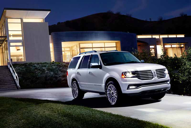 ford-japan-and-revamped-the-suv-lincoln-navigator-released-the-interior-and-exterior-design20150708-1-min