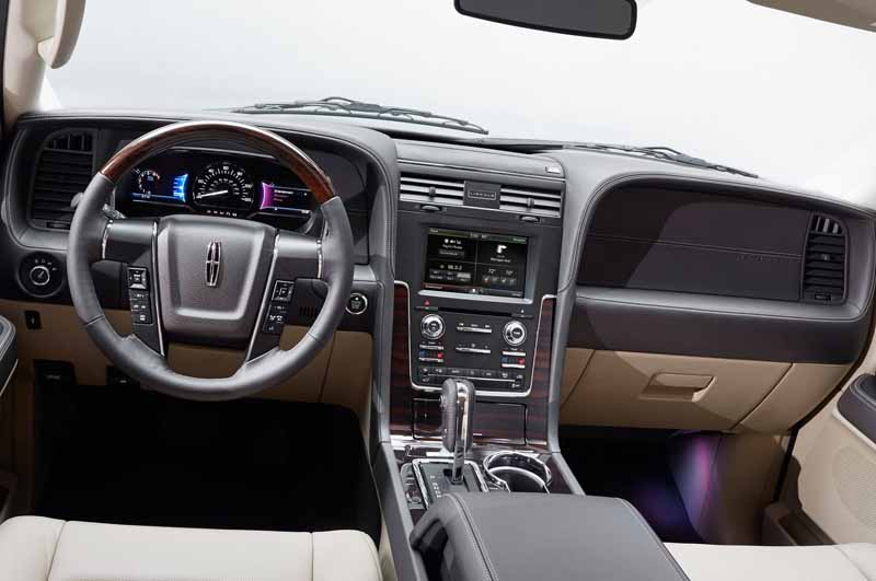 ford-japan-and-revamped-the-suv-lincoln-navigator-released-the-interior-and-exterior-design20150708-11-min