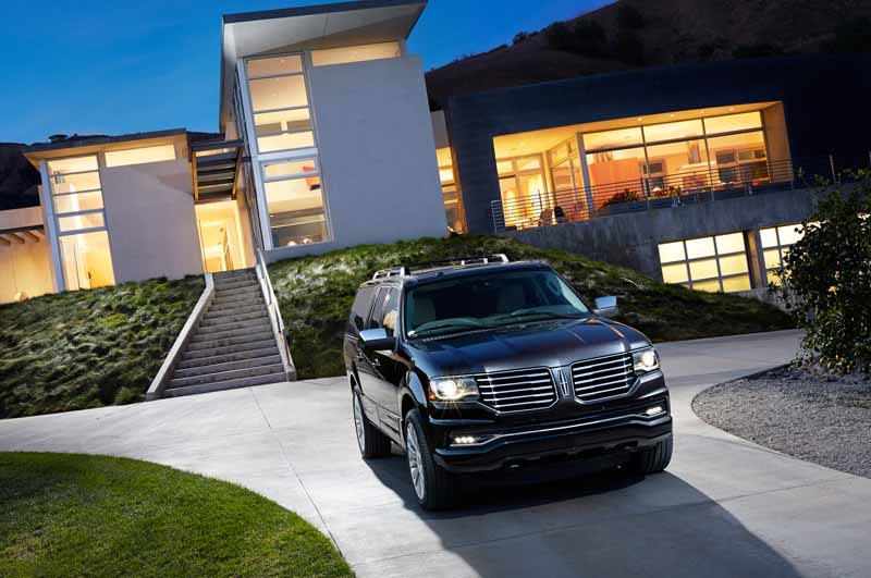 ford-japan-and-revamped-the-suv-lincoln-navigator-released-the-interior-and-exterior-design20150708-13-min