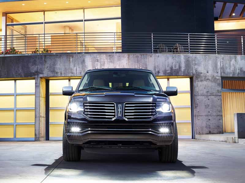 ford-japan-and-revamped-the-suv-lincoln-navigator-released-the-interior-and-exterior-design20150708-14-min