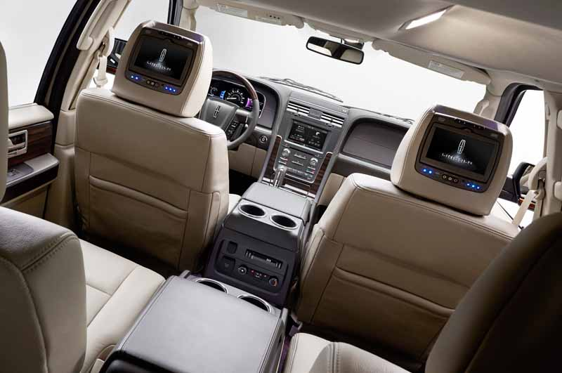 ford-japan-and-revamped-the-suv-lincoln-navigator-released-the-interior-and-exterior-design20150708-4-min